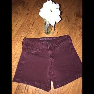 American Eagle Outfitters 🦅stretch maroon shorts